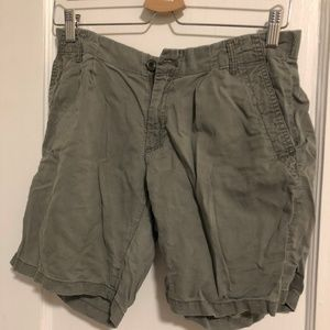 GENTLY USED Uniqlo M Cargo Shorts